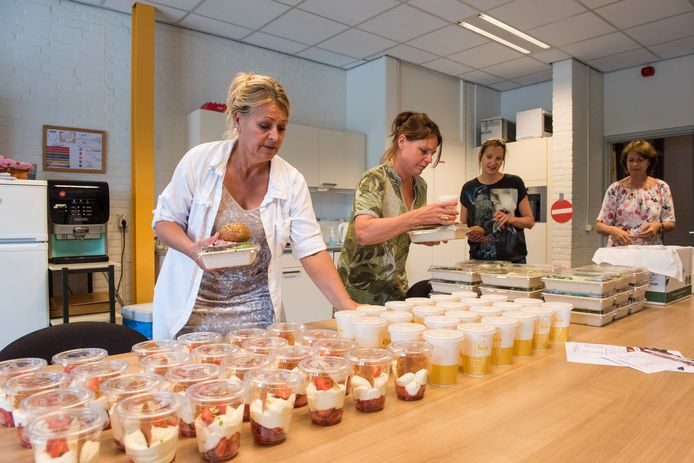 Op De Ontmoeting krijgen leerkrachten een lunch die verzorgt wordt door studenten van Summa.