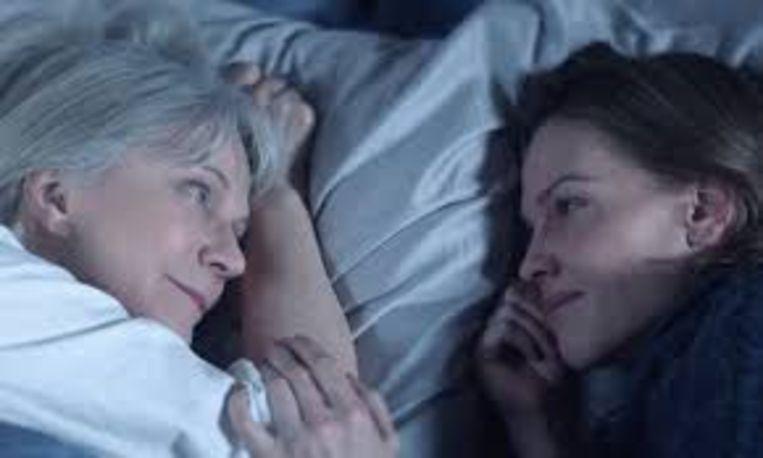 Blythe Danner (links) en Hilary Swank in What They Had (Elizabeth Chomko, 2018). Beeld