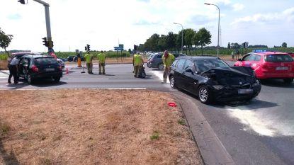 Bestuurder gekneld bij zwaar ongeval aan kruispunt N49 in Kaprijke