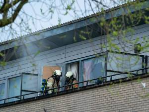 Bewoners onderzocht na keukenbrand in Houten