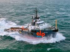 Sleper beschermt windmolens op zee tegen schepen