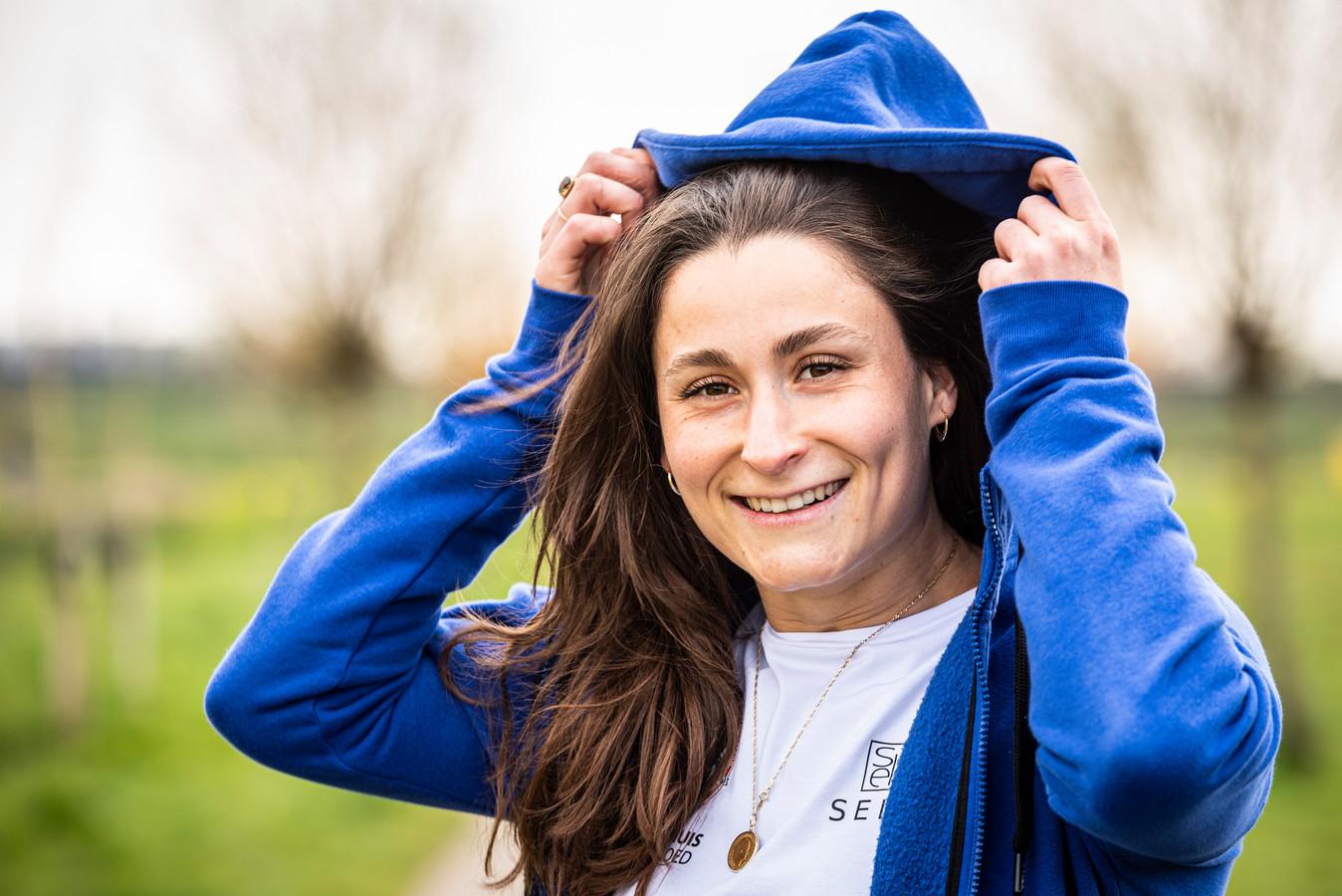 Waterpoloster Isabella van Toorn is met GZC DONK titelverdedigster.