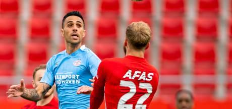 AZ en Vitesse zetten extra druk op PSV in strijd om plek twee; resterend programma lijkt in het voordeel van PSV
