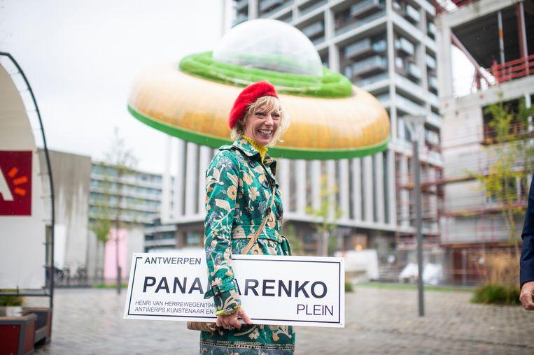 Weduwe Eveline Hoorens bij de officiële inhuldiging van het Panamarenkoplein in Antwerpen in oktober. Beeld Klaas De Scheirder