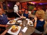 Bij Santorini spreekt men liever over tafelen dan eten