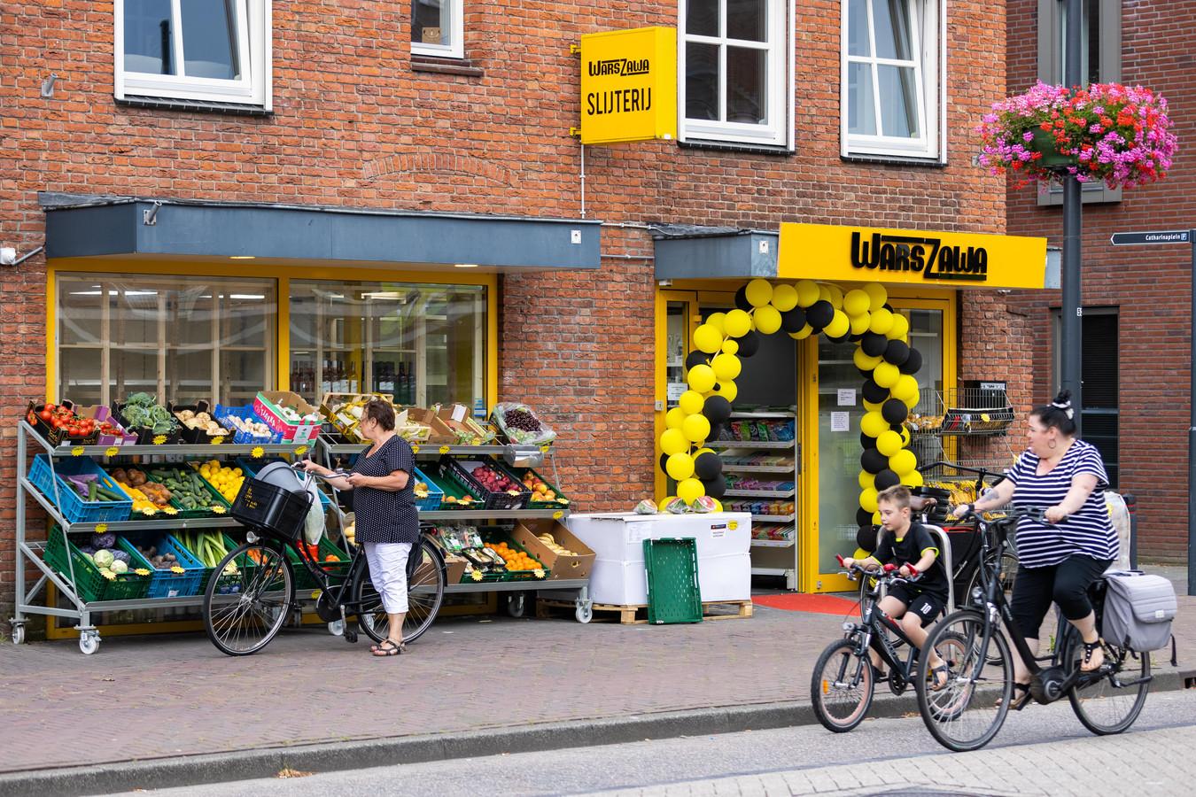 De Poolse supermarkt WarsZawa in Schijndel ging afgelopen weekend open.