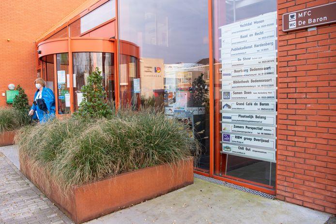 De publieksbalie in multifunctioneel centrum De Baron in Dedemsvaart gaat snel weer open.