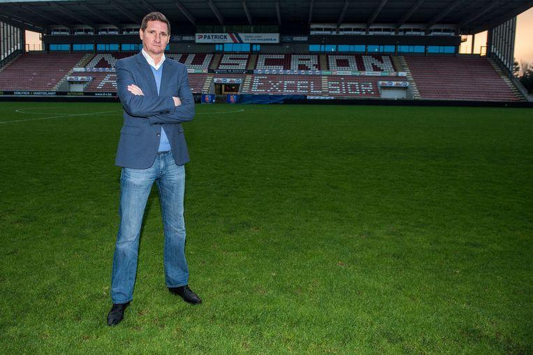 Vervolgens zegde hij het voetbal vaarwel en waagde hij zijn kans in het zakenleven, maar ook dat hoofdstuk sloot hij inmiddels af Beeld BELGA