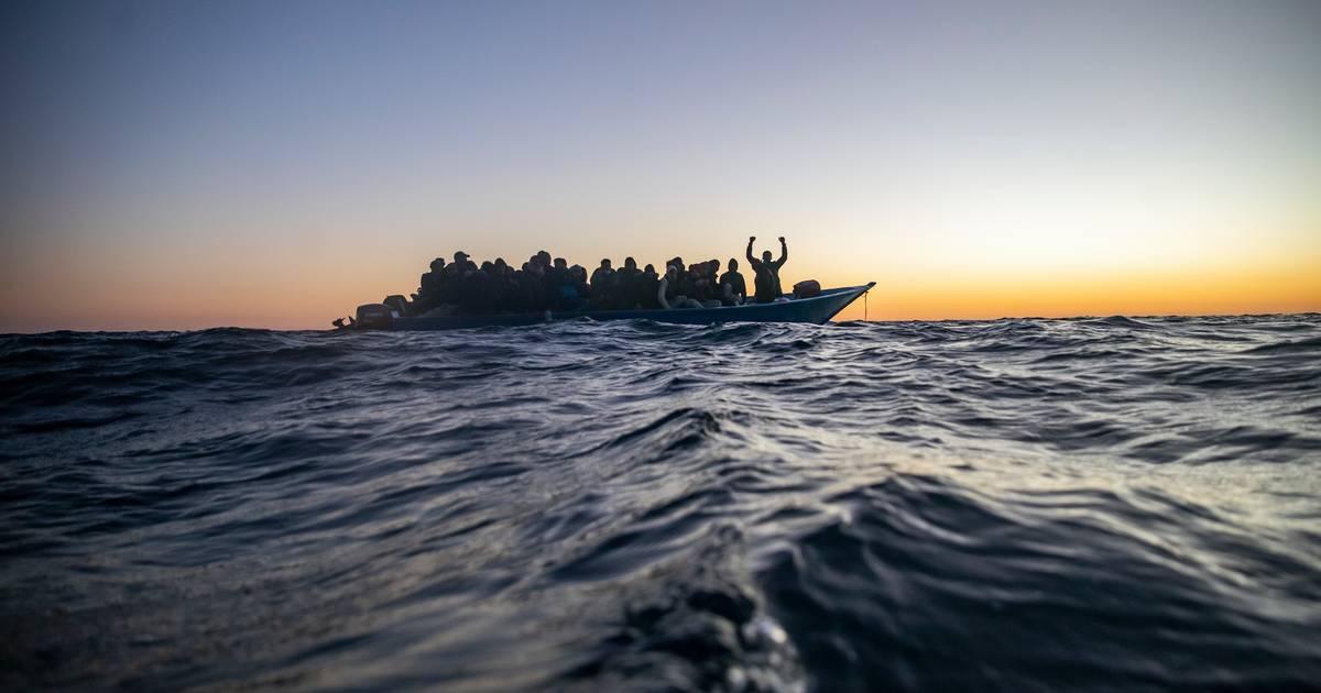 Zeker 57 migranten verdronken na bootongeluk bij Libië.