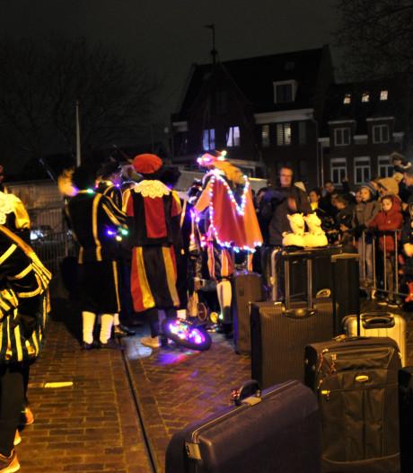 Óf Pieten uitzwaaien óf naar de opening van de ijsbaan in Veghel