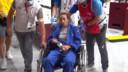 Van Snick werd in een rolstoel naar de dokter gebracht.