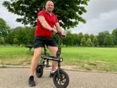 Poolse Rafal vertelt graag met handen en voeten over z'n elektrische 'fietsstep'