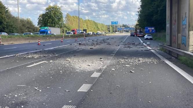 E40 in Groot-Bijgaarden tijdlang afgesloten nadat vrachtwagen brug raakt