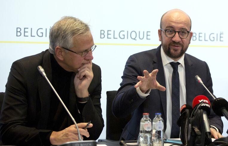 Premier Michel (rechts), zaterdagmorgen. Beeld ap