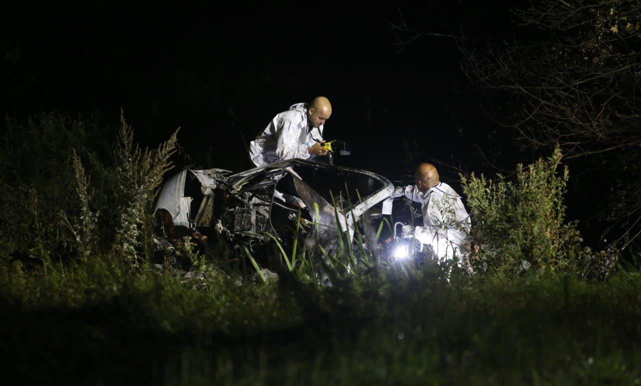 Onderzoek rondom de gecrashte auto in Velddriel