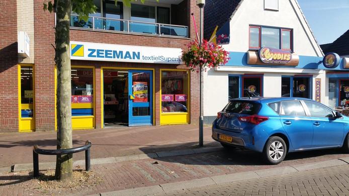 Het filiaal van de Zeeman in de Zandstraat in Beneden-Leeuwen.