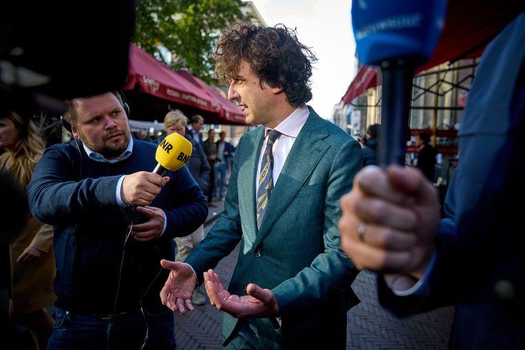 Jesse Klaver (GroenLinks) na afloop van gesprekken over de kabinetsformatie. Beeld Phil Nijhuis