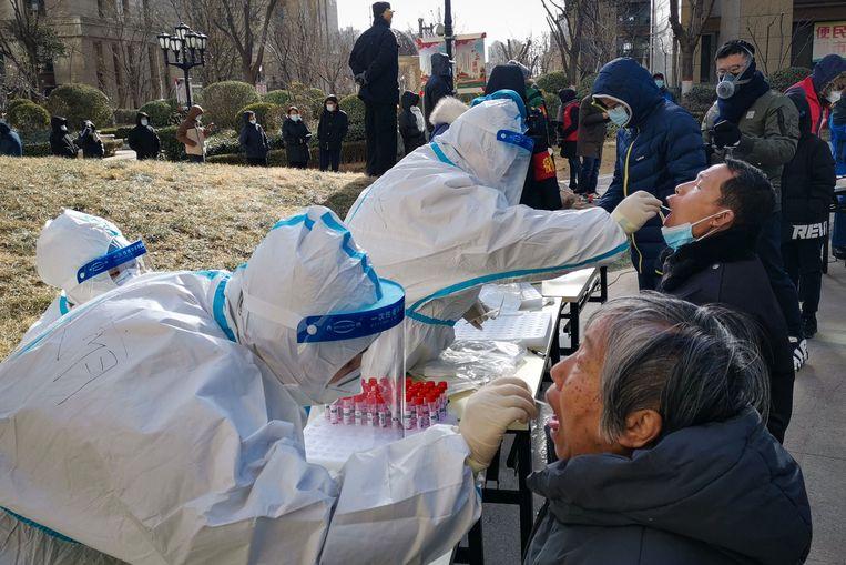 Alle 11 miljoen inwoners van Shijiazhuang worden deze dagen getest. Beeld Hollandse Hoogte / AFP