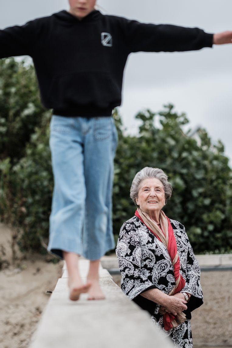 'Het enige waaraan ik merk dat ik ouder word, is dat ik mijn hoge hakken niet meer kan dragen. Ik had talons van 12 centimeter!' Beeld Bob Van Mol