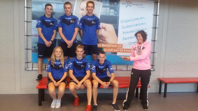 De organisatie onder begeleiding van gymdocent Katelijne Oomen.