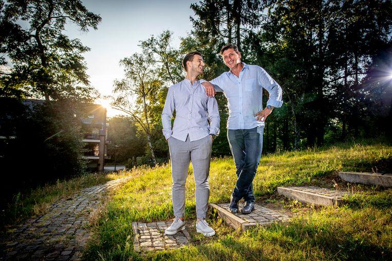 Oud-Rode Duivel Luc Nilis en zijn zoon Arne, die voetballer en gokverslaafd was. Beeld Jan De Meuleneir/Photo News