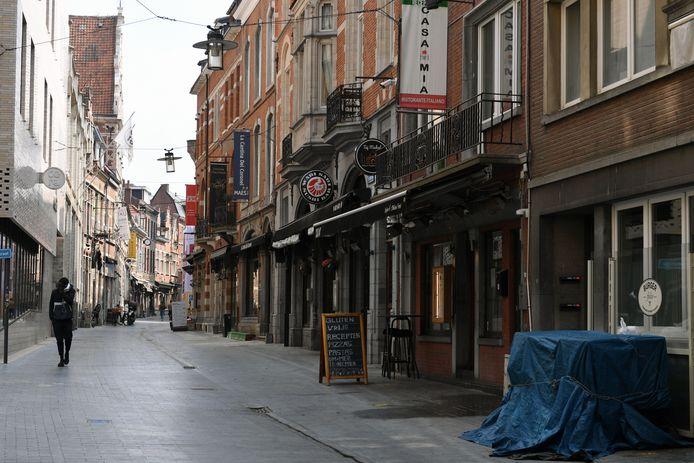Staat de Muntstraat in Leuven vanaf 8 mei weer vol met gezellige terrastafels of kiezen heel wat zaken ervoor om toch gesloten te blijven gezien de vele voorwaarden?