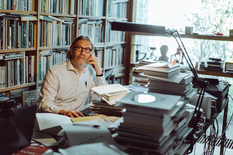 'Statistiek leert ons denken in termen van populaties, en niet in termen van individuen', zegt wiskundig filosoof Jean-Paul Van Bendegem. Beeld Thomas Sweertvaegher