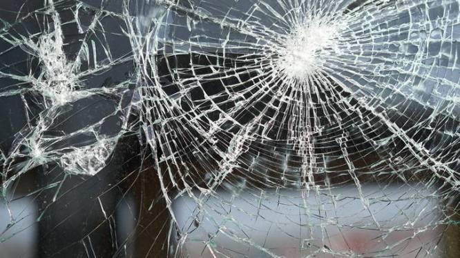 Inbrekers forceren schuifdeur van Carrefour Express maar vluchten door inbraakalarm