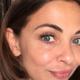 Georgina Verbaan laat zien hoe ze met haar korte haar juist vrouwelijk én sexy is