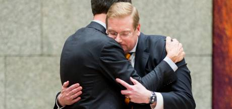 Teruglezen: Minister Van der Steur stapt op na bonnetjesaffaire