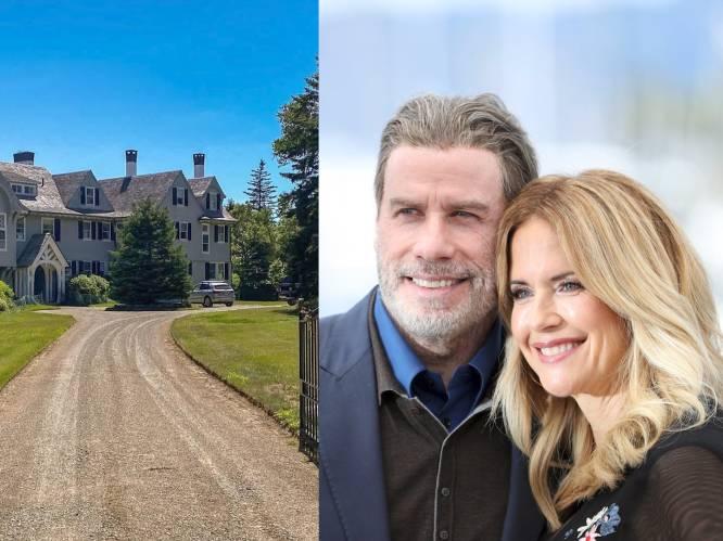"""BINNENKIJKEN: John Travolta verkoopt het huis waar hij heel gelukkig was met zijn vrouw: """"Hij ziet zó af sinds haar dood"""""""