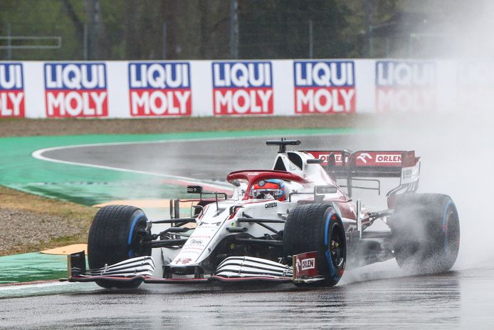 Kimi Räikkönen tijdens de Grote Prijs van Emilia Romagna.