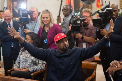 Foto van Trump ontvangt Kanye West in het Witte Huis