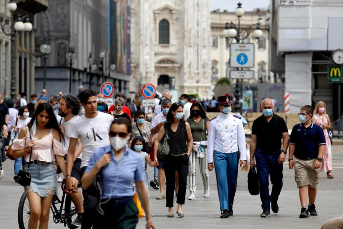 Ook Italië wil de mondmaskerplicht buiten opheffen.