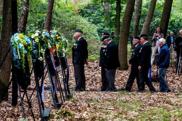 Ook veteranen gaven acte de présence bij de herdenking op de fusilladeplaats in de bossen van Gorp en Rovert.
