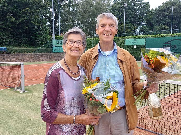 Ria Coenen en Jan Vissers, samen honderd jaar lid.