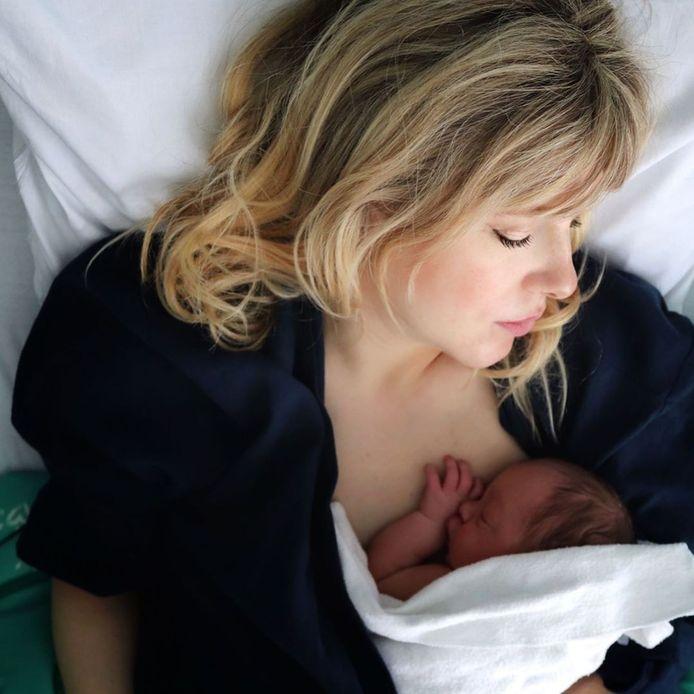 Veronique Leysen met baby Isaï.