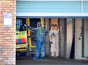 Ambulancemedewerkers bij ziekenhuis Bernhoven in Uden.