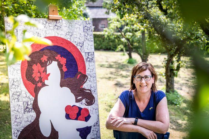 Beeldend kunstenaar Karin Snijders is onderscheiden met een Gouden K.