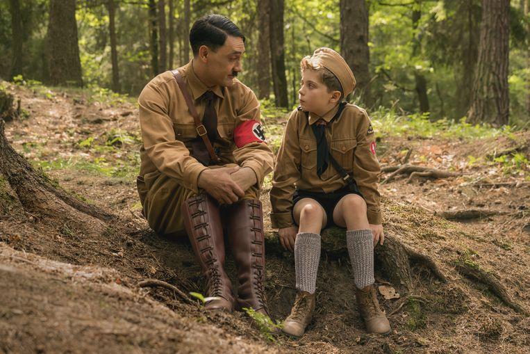 Johannes en Adolf in 'Jojo Rabbit'. Beeld rv