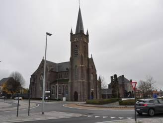 Private investeerder koopt Sint-Amanduskerk, nieuw ontmoetingscentrum naast toren naar prullenmand