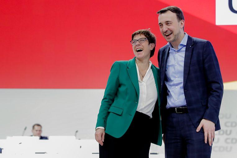 Annegret Kramp-Karrenbauer feliciteert Paul Ziemiak Beeld AP