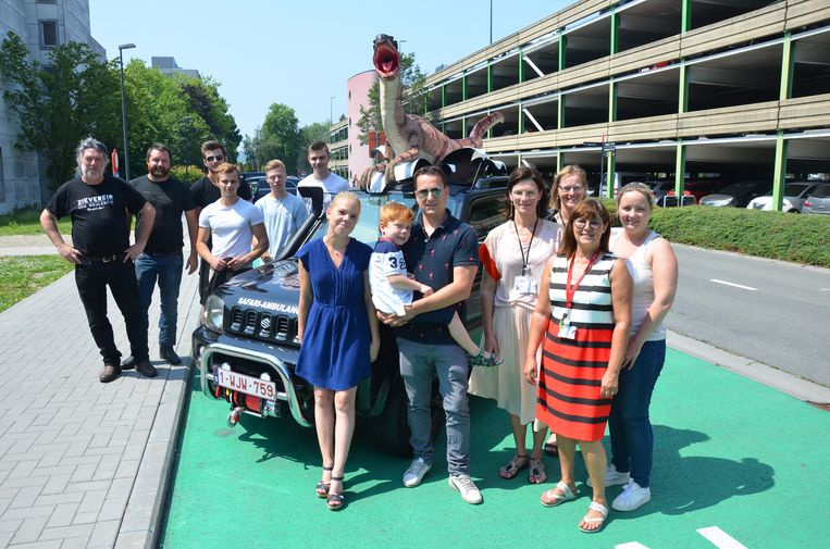 KTA MoBI schenkt de wagen aan BUBBLE ID: een organisatie die zich inzet voor kinderen met een immuunstoornis.