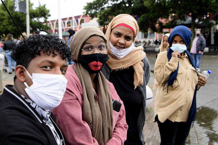 De Bazaar in Beverwijk, de markt die bezoekers vraagt wél een mondkapje te dragen. Beeld ANP