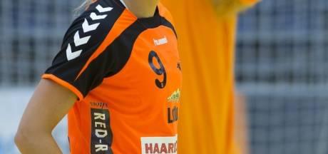 'Oma' van Olphen leeft met Oranje in een 'bubble'