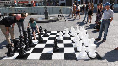 Reuzenschaakborden in straatbeeld