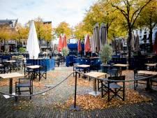 Lees terug | Grapperhaus 'verbijsterd' over coronafeest op Plein en Delftse Makro niet open voor consumenten