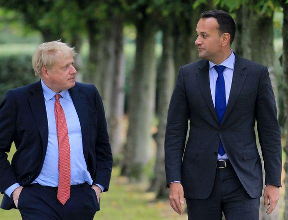 Vorige week bracht een glimp van optimisme na een ontmoeting tussen Brits premier Boris Johnson (l.) en de Ierse premier Leo Varadkar.