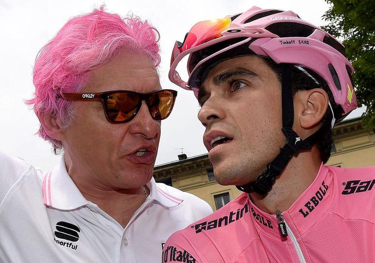 Speciaal voor de eindzege van Alberto Contador in de Giro kleurde de flamboyante baas Oleg Tinkov zijn haar roze.