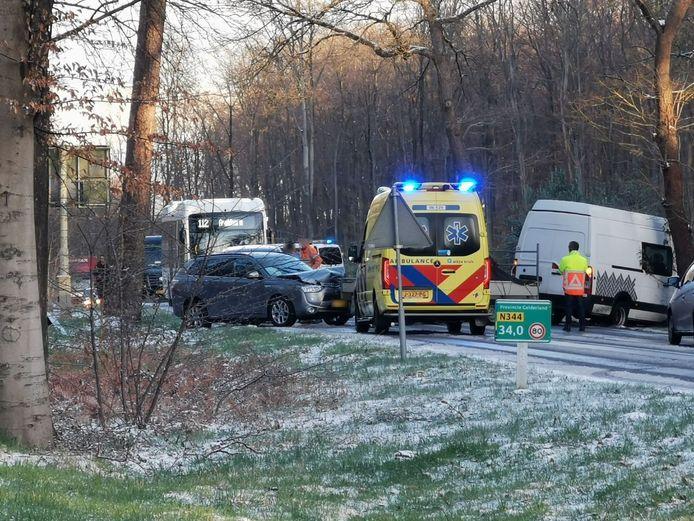 De N344 ging na het ongeluk op slot.